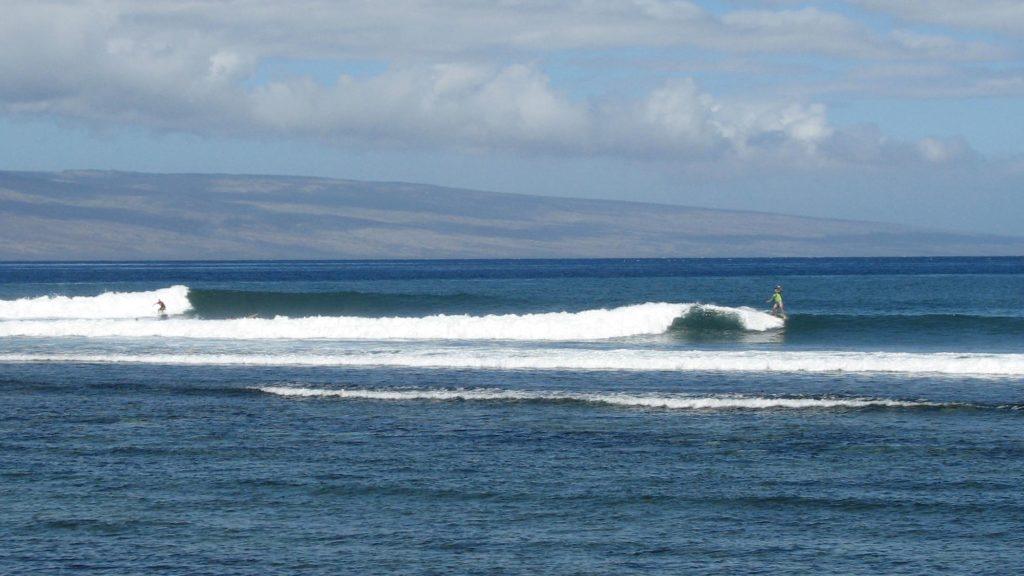 Mala Wharf Surfing
